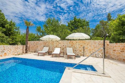 Mediterranean style holiday house - full privacy, swimming pool, parking garage, terrace - 3