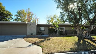 Photo for Mid-century Modern 2-bedroom Condo, Close To Restaurants & Shops, Pet-friendly!