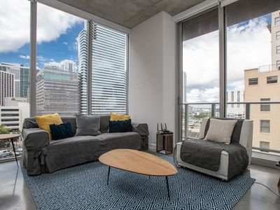 Modern 1BD/ 2BA near Brickell City Center