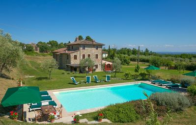 Photo for 6 bedroom Villa, sleeps 12 in Pieve di San Pancrazio with Pool, Air Con and WiFi