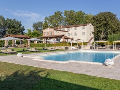 Photo for Villa in Pieve A Nievole with 10 bedrooms sleeps 26