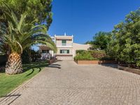 Spacious well equipped villa in lovely location.