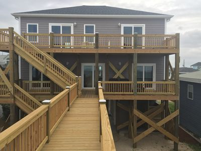 oceanfront. Extra wide walkway, hot and cold shower (1 of 2 outdoor showers)