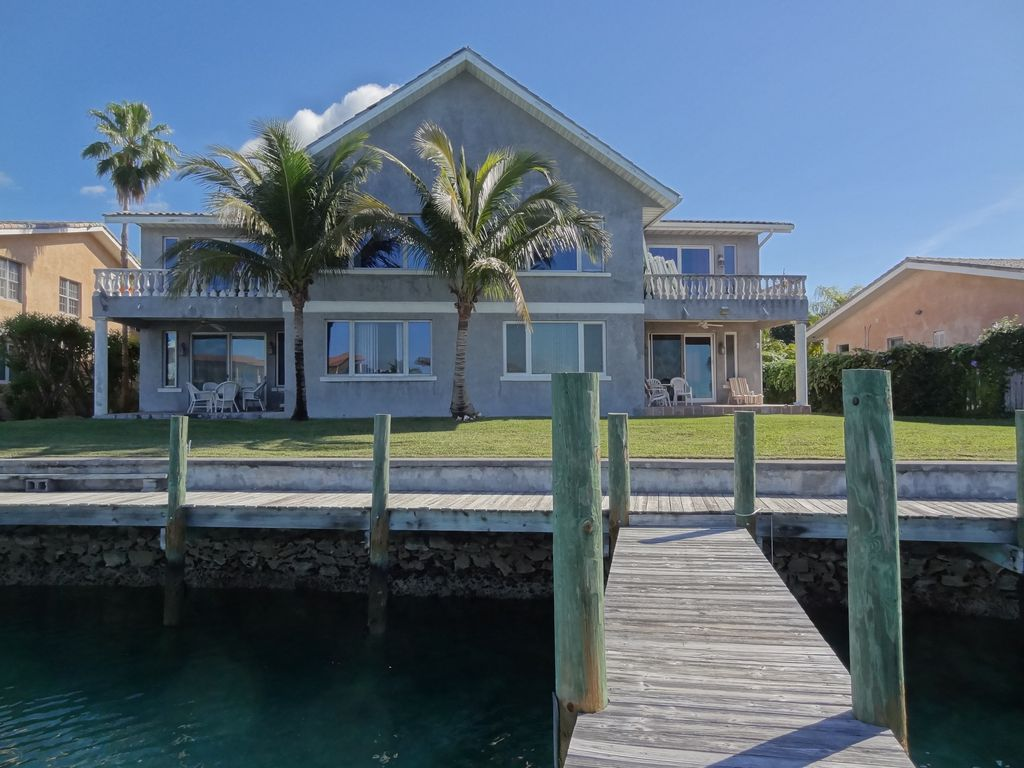 Spacious Gated Waterfront Villa with Private Dock. Spacious Gated Waterfront Villa with      HomeAway Bahamas Terrace
