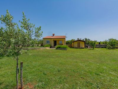 Photo for Holiday house Vodnjan for 4 - 5 persons with 2 bedrooms - Detached holiday house
