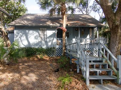 Photo for Mermaid Cottage - Cozy 2BR/2BA, Pet Friendly, Resort Amenities Available