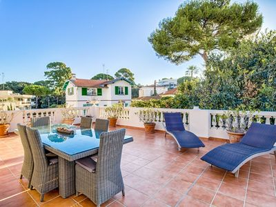 Photo for Stunning 2 bed apartment, massive sunkissed terrace, WiFi, iPad, 200m from beach
