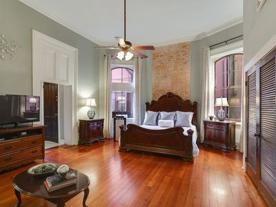 Photo for French Quarter Romantic Suite with Courtyard!!