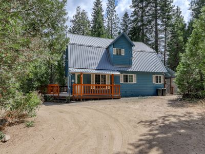 Photo for Remodeled cabin w/ deck & fireplace - walk to shops, restaurants, & the lake!