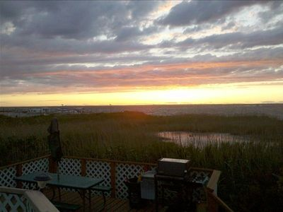 Photo for Davis Park Waterfront Vacation Rental / Private beach