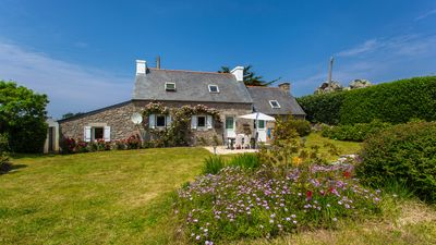 Photo for Breton stone house, in a quiet location and the beach