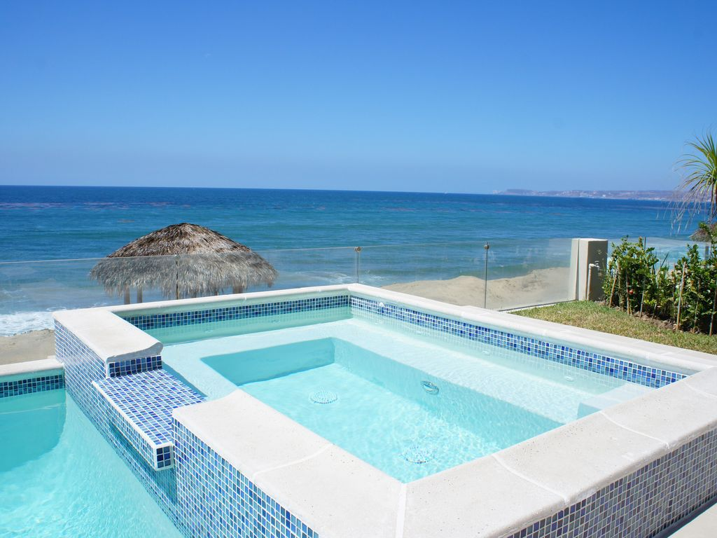 Luxury Ocean Front Villa (3,500 sq/ft ) with Private Pool/Jacuzzi ...