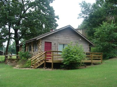 Side view of the cabin and actual cabin entrance