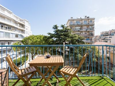 Photo for Charming two-bedroom, with balcony, close to La Promenade des Anglais