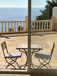 Photo for Lovely Central Apartment Steps from Villajoyosa Beach