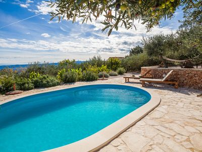 Photo for Family-friendly villa with private pool and stunning view