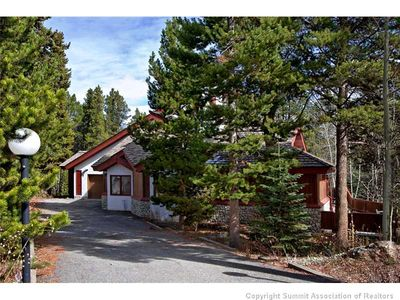 Photo for Beautiful Private Home; Ski In To Beaver Run! Great Access To Trails/Main St