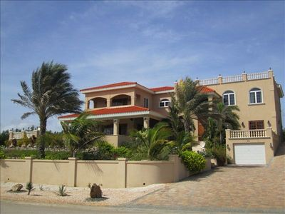 Photo for Aruba Golf Country-Club Villa, Walk to the Beach, Spa...