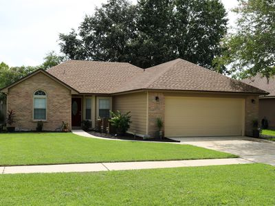 Photo for Ultra Clean & Private Oakleaf Area Suburban Home
