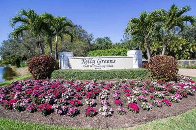 Entry to Kelly Greens