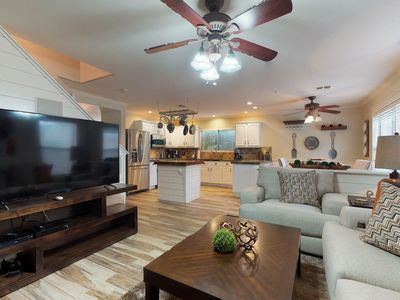 Photo for Newly remodeled, dog-friendly home w/hot tub, pool table & poker