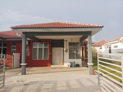 Photo for No.7 Simple Home Melaka Homestay (Batu Berendam) - 简之屋