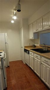 Photo for Quiet 2 beds/ 2 bath Condo (1 mile) minutes from NRG