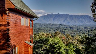 Photo for Absolute High Cabin with Breathtaking Mountain Views