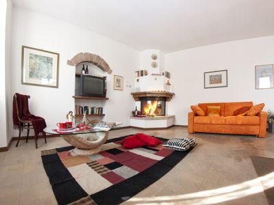 Photo for Cosy house with panoramic views of the rolling countryside of Umbria