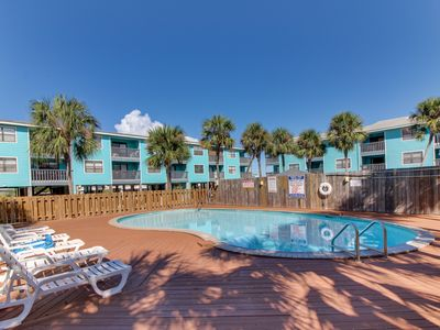Photo for Waterfront condo w/ a furnished balcony, peek-a-boo Gulf views, & shared pools