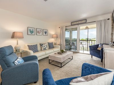 Photo for Special mid June Rates! Siesta Key Beach Condo (recently updated)