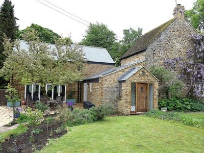 Photo for 4BR Cottage Vacation Rental in BANBURY, Cotswolds