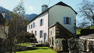 Photo for Charming cottage - Béarn
