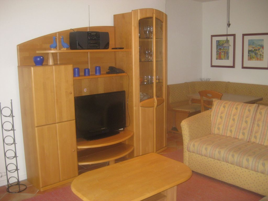 fantastic apartment with lake views free wi fi phone winter