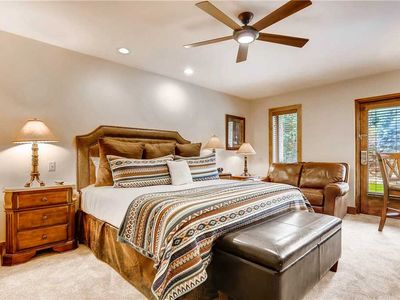 Photo for Lodge room with mountain view, shared pool & hot tubs and ski-in/ski-out access