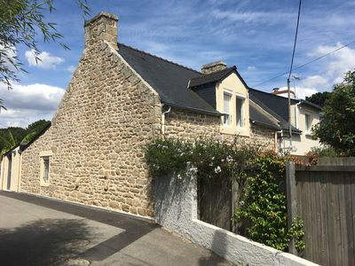 Photo for Charming longère in Larmor-plage