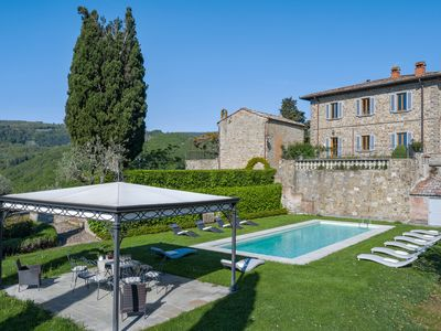 Photo for Villa Donati - Wonderful manor house with garden and pool