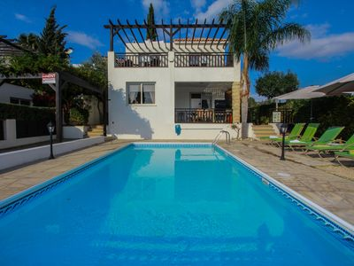 Photo for Luxury 3 bed villa with 2 bathrooms with large private pool