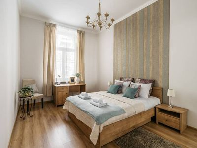 Photo for Cosy and sunny apartment 10 min walk to the Old Town