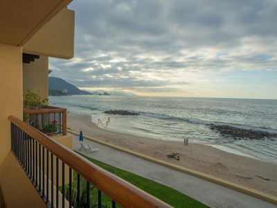 Photo for Amazing 3 BR Paradise just feet from the Ocean. 180 degree panoramic views