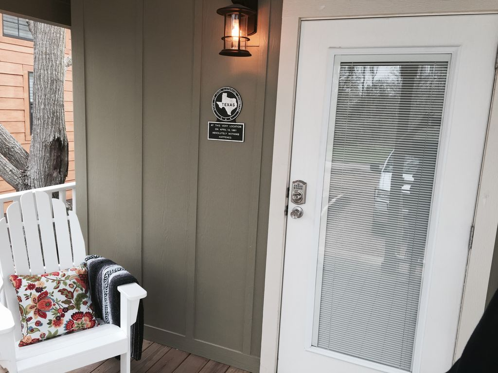 Tiny home 39 the family 39 small town charm with easy access for Tiny house blog family