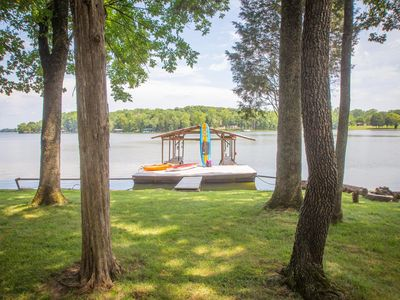Photo for Lakefront cottage, private dock, near Nashville TN, restaurants/shopping closeby