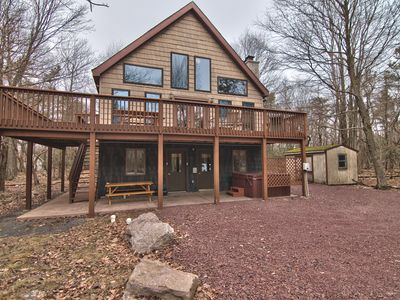 Lake Harmony 6 bedroom with firepit/hot tub and more!