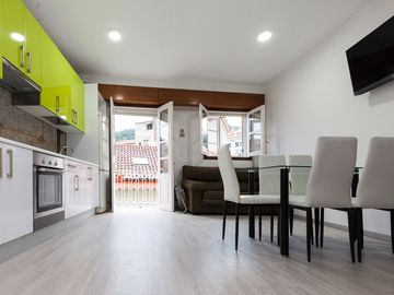 Family duplex with bakery breakfast