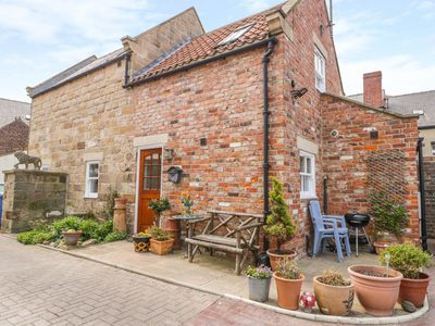 Photo for MOOR CROFT, family friendly, with a garden in Whitby, Ref 1010184