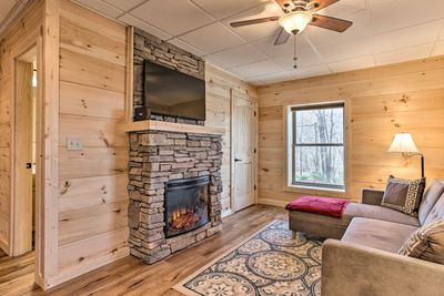 Delve deep into the woods at this cozy 1-bedroom, 1-bath Black Mountain apt!