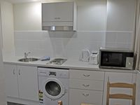 Central location, close to all of central Sydney. Clean, well appointed apartment, and our host was