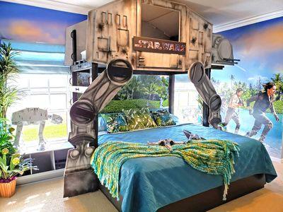 Photo for $299/nite to June 30! 4 Kings; Star Wars, Princess, Potter. DISNEY 5-10 Minutes!