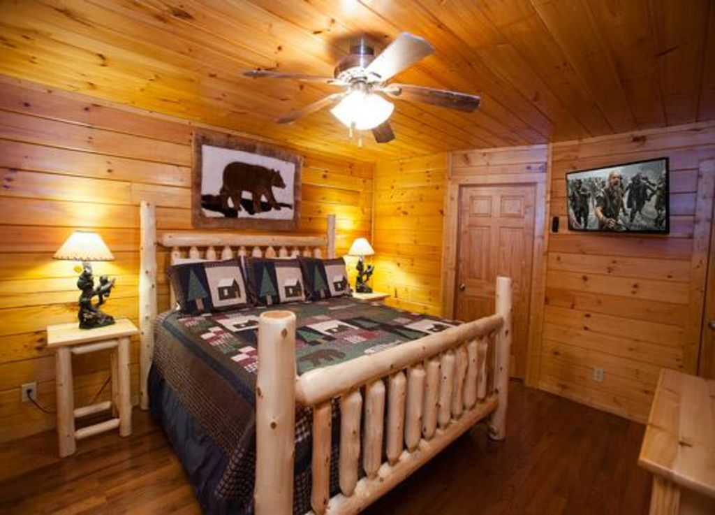 A Beary Fun Cabin In Pigeon Forge Unforgettable 2 Bedroom W Gameroom Full Theater