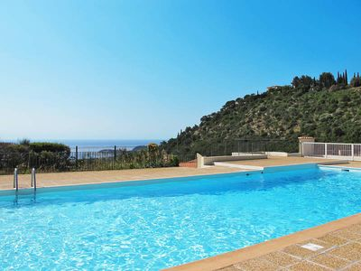 Photo for Apartment in Cavalaire - sur - Mer, Côte d'Azur - 8 persons, 3 bedrooms